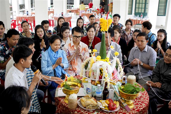 Trường Đại học Sư phạm: Tổ chức Tết cổ truyền cho du học sinh Lào
