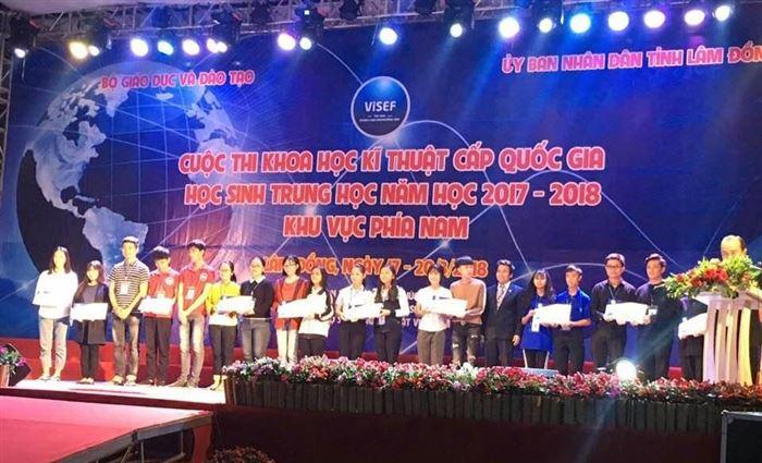 Trường Đại học Sư phạm – ĐH Đà Nẵng tiếp sức cuộc thi Khoa học kỹ thuật cấp quốc gia 2018